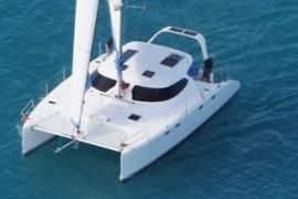 Light and Clean Fusion 40 Catamaran