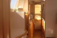 seawind-1160-int-companionway