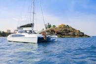 seawind-1190-sport-at-anchor