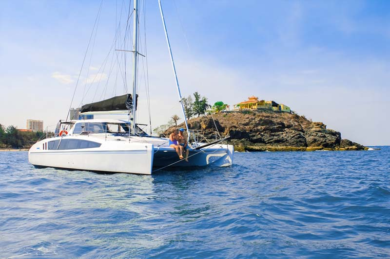 Seawind 1190 Sport Catamaran | Boat for Sale | West Coast