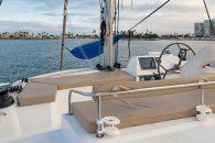 bali-4.3-catamaran-ext-flybridge