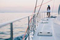 xquisite-x5-catamaran-ext-sidedeck