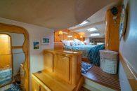 privilege-495-int-master-cabin